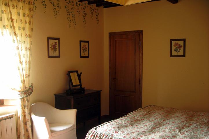 Baños Estilo Toscano:Apartamento de estilo rústico toscano con habitación dobles, salón