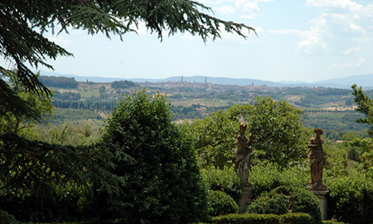 Destination weddings Tuscany :: Villa with garden park Catignano
